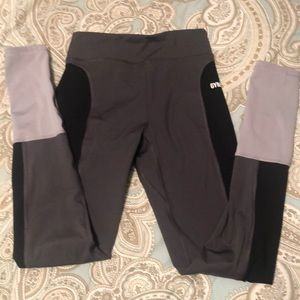 GYMSHARK COLOR BLOCK LEGGINGS SIZE SMALL